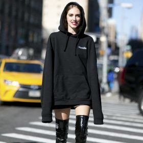 Unsere 5 Tipps – Sweatshirt Kleid kombinieren