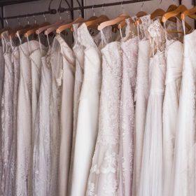 Günstige Hochzeitskleider: umwerfend schön trotz wenig Geld