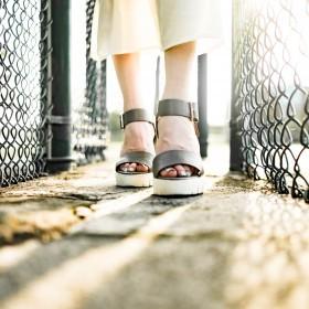 Schuhe mit Keilabsätzen Damen