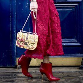 Welche Schuhe zu dunkelrotem Kleid