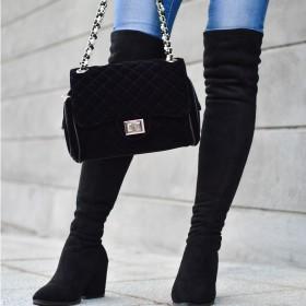 Stiefel mit Keilabsätzen