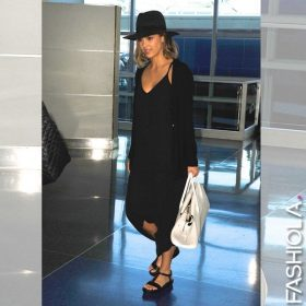 Jessica Alba: All black!