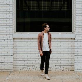 Männer Basics - Minimalistische Mode mit großem Effekt