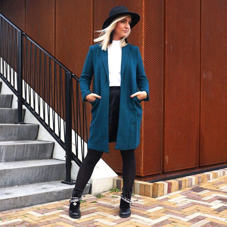 bunt ist das neue schwarz wir tragen farbige m ntel im winter. Black Bedroom Furniture Sets. Home Design Ideas