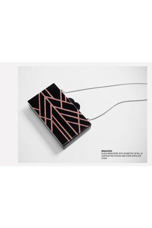 Zara ECKIGE CLUTCH MIT DETAILS IN PINK