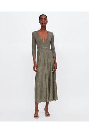 Zara kleider grun