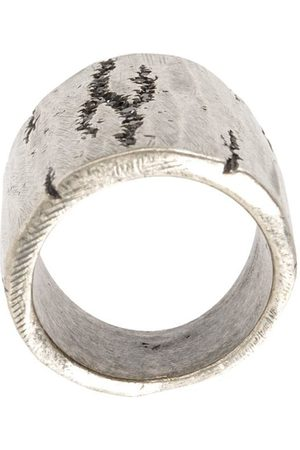 TOBIAS WISTISEN Ring mit unbearbeiteten Kanten