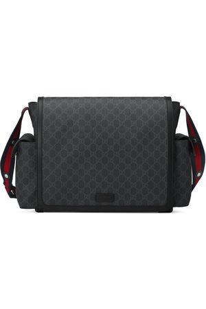 Gucci Wickeltasche aus GG Supreme