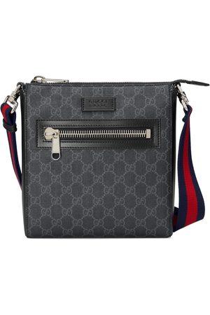 Gucci Kleine Umhängetasche aus GG Supreme