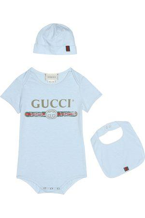 Gucci Set aus Body, Lätzchen und Mütze