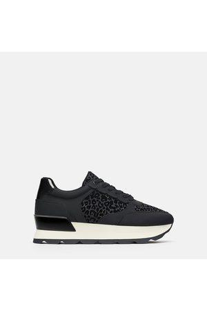 Zara Sneaker mit animalprint