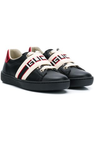 Gucci Sneakers mit Logo