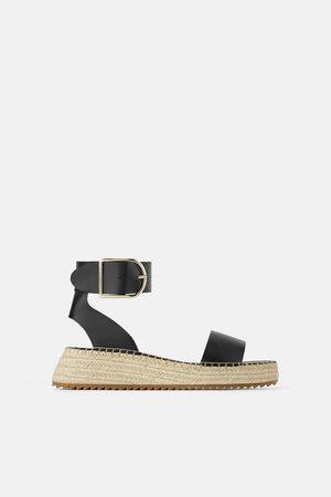 Zara Plateau-sandalette mit knöchelriemchen