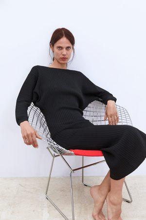 Zara Langes kleid mit rippenmuster