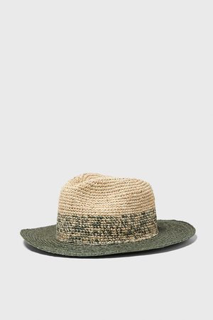 Zara Hut mit strukturmuster