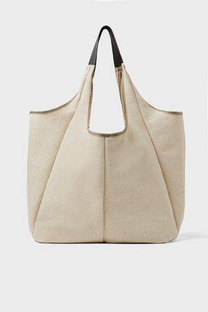 Zara Grosser shopper in