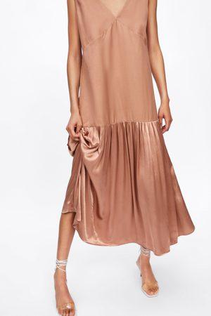 Zara Asymmetrisches kleid aus materialkombination