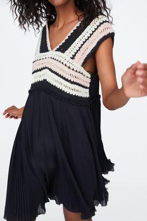 Zara Kombiniertes kleid mit häkelei