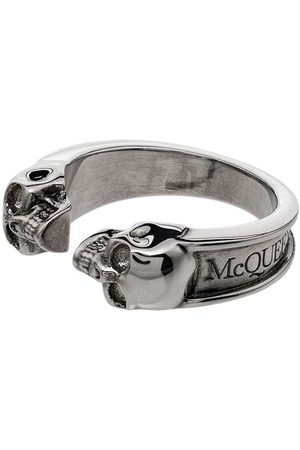 Alexander McQueen Ring mit zwei Totenköpfen