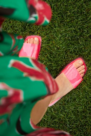 Zara Damen Sandalen - Flache sandale mit vinyl-kreuzriemchen