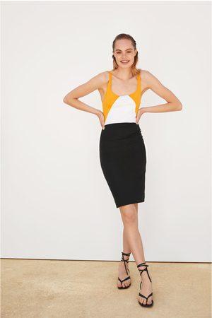 Zara Figurbetontes kleid mit trägern