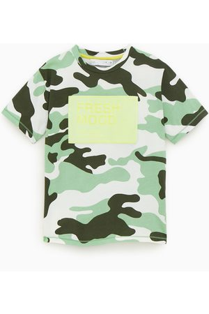 Zara T-Shirts, Polos & Longsleeves - Shirt mit camouflagemuster in neonfarbe