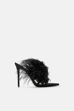 Zara Damen Sandalen - Ledersandalette mit federbesatz