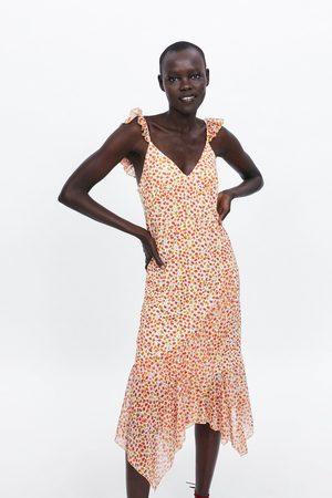 Zara Kleid mit volant und blumenmuster