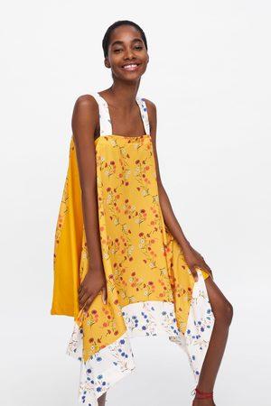 Zara Asymmetrisches kleid mit blumenmuster