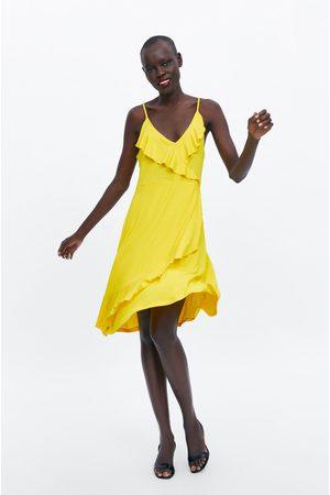 Zara Kleid mit trägern und volant