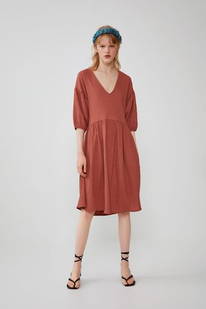 Zara Weites kleid mit strukturmuster