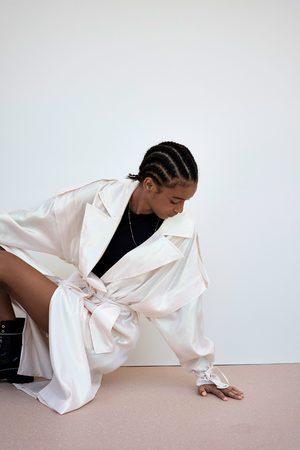 Zara Trenchcoat mit changierendem effekt