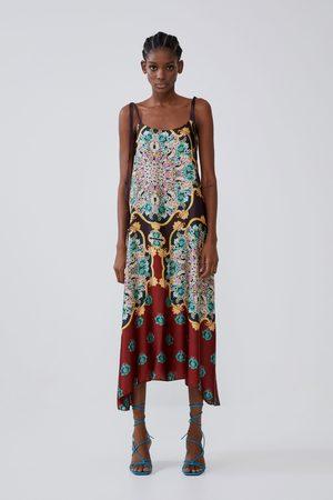 Zara Gemustertes kleid