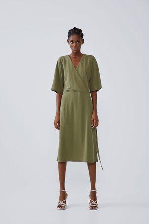 Zara Fliessendes kleid