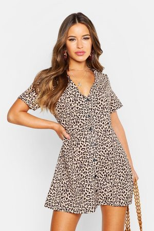 Boohoo Womens Petite rotes T-Shirt-Kleid in Leopardenmuster mit Knopfleiste - - 30