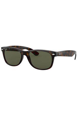 Ray-Ban Sonnenbrillen - Setzen Sie ein Fashion-Statement mit der Sonnenbrille RB2132 NEW WAYFARER von . Die aufregende Form im Retro-Chic verleiht Ihren Looks eine trendy Note. Für jeden mit modischem Durchblick! Brillenform: Rechteckig. Label-Schriftzug