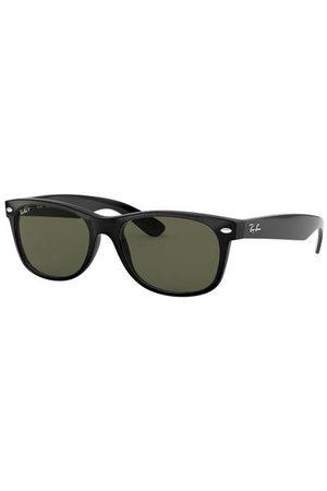 Ray-Ban Setzen Sie ein Fashion-Statement mit der Sonnenbrille RB2132 NEW WAYFARER von . Die aufregende Form im Retro-Chic verleiht Ihren Looks eine trendy Note. Für jeden mit modischem Durchblick! Brillenform: Rechteckig. Label-Schriftzug auf den Bügeln.