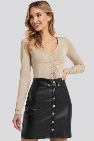 NA-KD Ruched Long Sleeve Top