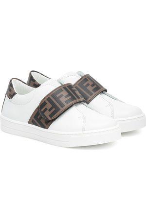 Fendi Sneakers aus Leder mit Logo