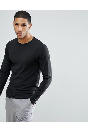 Jack & Jones – Essentials – Langärmliges, schwarzes Shirt