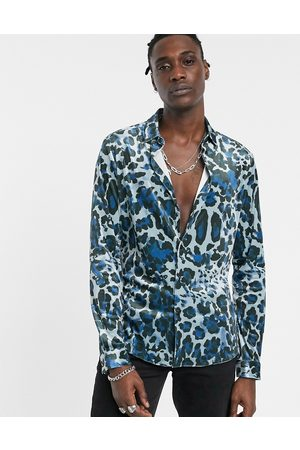 ASOS – Enges Stretch-Hemd aus Samt mit Leoprint