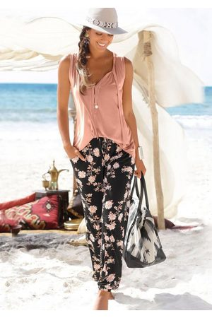 Lascana Strandhose mit floralem Alloverdruck