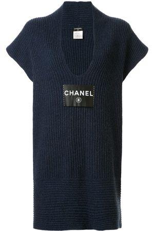 CHANEL Strickkleid mit Logo-Patch