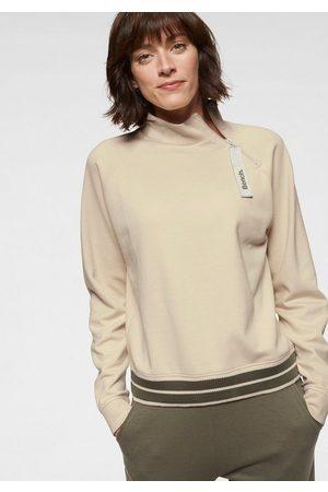 Bench Sweater mit Stehkragen und gestreiftem Bund