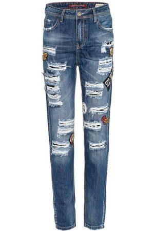 Cipo & Baxx Bequeme Jeans »WD298« mit modischen Aufnähern