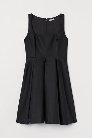 H&M Kleid mit Glockenrock
