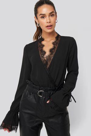 NA-KD Overlap Lace Detail Bodysuit - Black