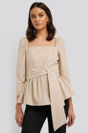 Trendyol Bluse Mit Schnürung Vorne - Beige