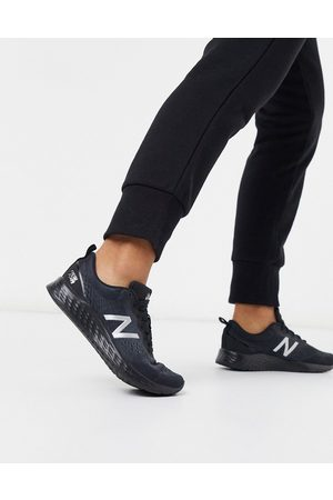 New Balance – Running Arishi – Sneaker in Triple