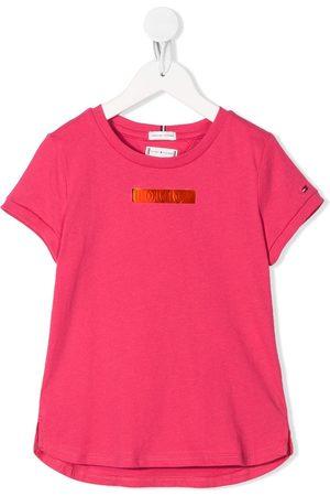 Tommy Hilfiger T-Shirt mit Metallic-Logo